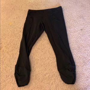 Cropped Lululemon leggings with pockets